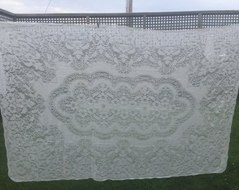 Vintage Off White Floral Lace Tablecloth
