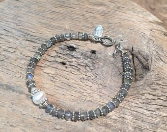 Labradorite bracelet, pearl bracelet, sterling silver bracelet, beaded bracelet