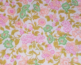 SALE vintage 70s pink floral print fabric, featuring pretty garden design, 1 yard, 2 available, priced PER YARD