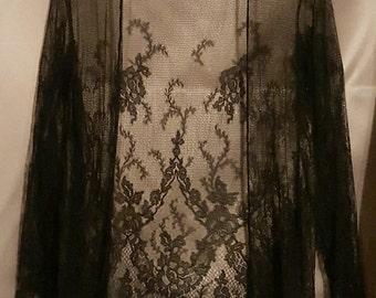 Vintage 1920's black lace boudoir robe
