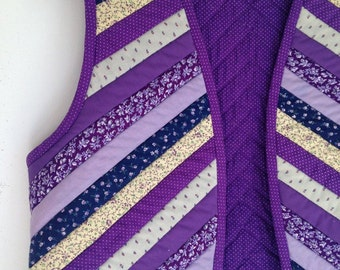 Vintage ladies vest purple calico patchwork boho size small