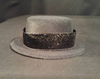 Mini Top Hat With Sparkle Ribbon
