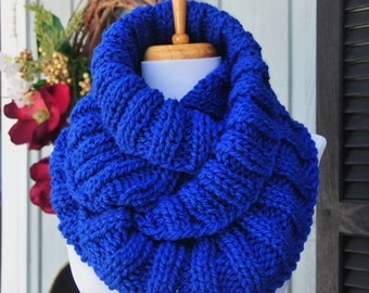 Chunky Knit Infinity Scarf, Royal Blue Scarf, Knitted Women's Scarf, Winter Scarf, Vegan Scarf, Knit Circle Scarf, Ribbed Knit Blue Scarf