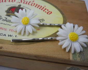 Hair Bobby Pins Vintage Celluloid Daisy Flowers Made in Japan Flower Girl Barrettes or Pins
