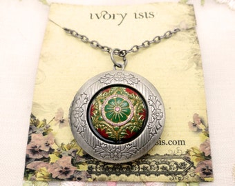 """Carousel Glass Cabochon Locket Necklace on 24"""" Chain"""