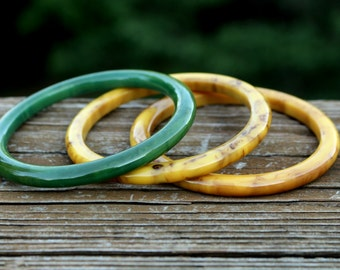 Bakelite Green Gold Marbled Bracelets