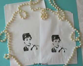 20 Audrey Hepburn, Paper Bags, Candy Bags, Gift Bags, Party Favor Bags, Paris Theme Party, Merchandise Bags, White Paper Bags, Small Bags