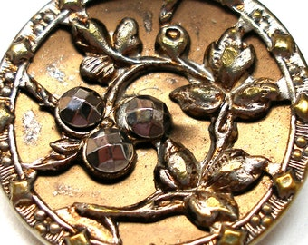 """1800s LG French BUTTON, Victorian flowers with cut steel,  1"""". Paris back."""