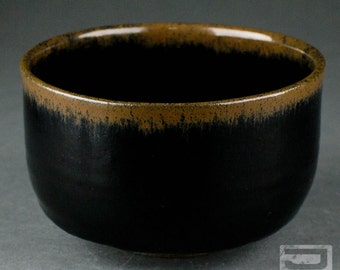 Stoneware Japanese Tea Ceremony Bowl (Matcha Chawan)