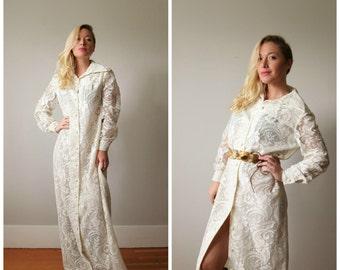 1970s Ivory Lace Maxi Dress >>> Size Medium