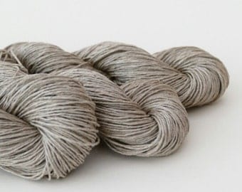 Natural linen yarn, DK, double knitting, undyed, unbleached.