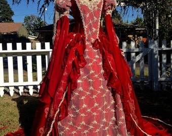 Sleeping Beauty Princess Medieval Fantasy Gown Red/Champagne Size Medium with Cape!
