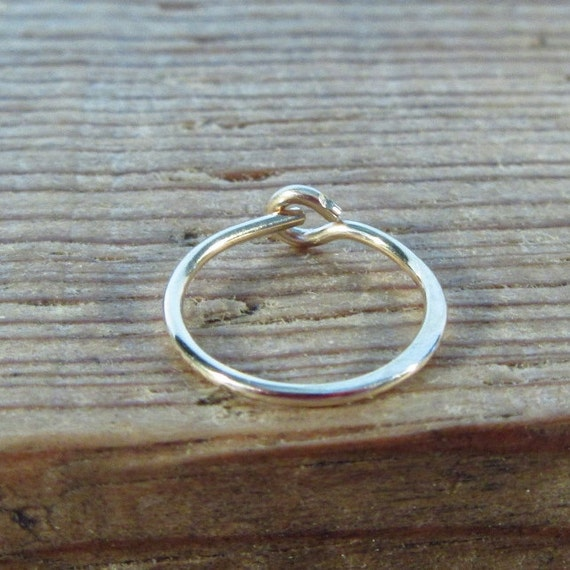 Hoop Earring Gold Hammered SINGLE - Tragus Piercing, Rook Piercing, Daith Piercing, Helix Piercing, Cartilage Piercing, Conch Piercing