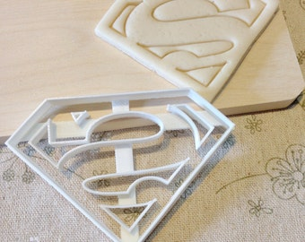Superman Cookie Cutter - Fondant Icing Cake Cupcake Topper Tool Iced Sugar Cookies Boys Birthday Party Favors Movie Comic Con Superheros