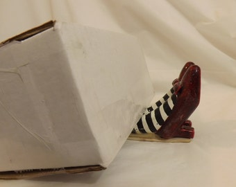 FREE SHIPPING Dorothy's shoes from the Wizard of Oz Ding Dong the witch is dead (Vault 6)