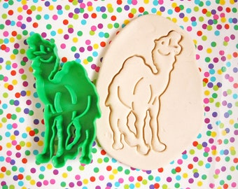 Vintage 1987 Camel Animal Fondant Cookie Cutter Green Hard Plastic Imprint Cookie Cutter LK Mfg Corp