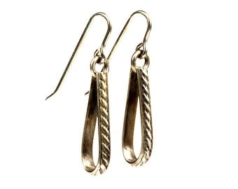 Patterned Silver tear drop earrnings