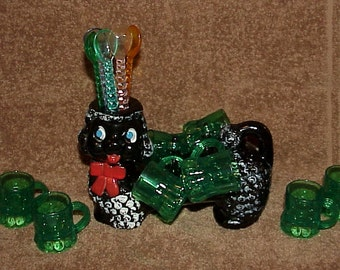 Cute--Vintage--Redware POODLE--Bar Caddy--With Vintage Swizzle Stick Stirrers & 8 Shot Glass Mugs