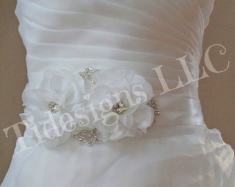 Bridal Sash ,Wedding Sash, Crystal wedding sash , Crystal sash , Beaded Sash, Rhinestone Bridal Sash, Flower Sash
