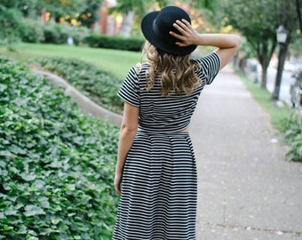 Short Sleeve Crop Top Tee, Midi Skirt, Black and White Striped Jersey, LineandBloom Separates, Fall Fashion Stripes Crop Top Dress Separates