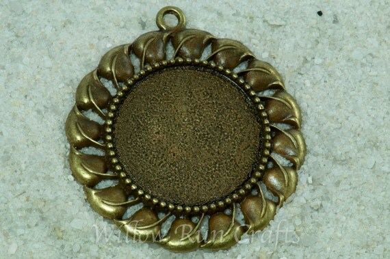 20 pcs 30mm Bronze Pendant Trays Decorative Edge with 20 Glass Cabochons 19-16-420), Blank Bezel Cabochon Setting