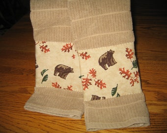 Appliqued Towels with Bears and Oakleaves - Set of 2