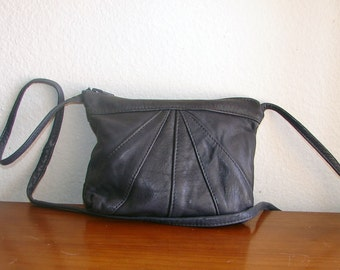 Vintage Small Dark Navy Blue Leather Cross Body Bag