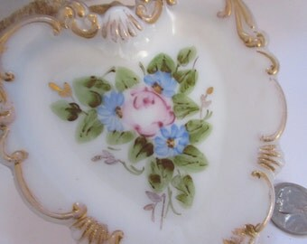 Hand Painted Victorian Milk Glass Heart Dresser or Vanity Dish Heart Shape Beautiful Roses
