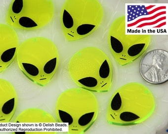 26mm Alien Acrylic or Resin Charms or Pendants - 6 pc set
