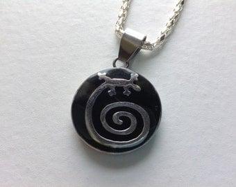 Round Lizard pendant