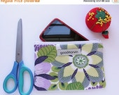 Zipper Pouch, Make Up Bag, Cosmetic Pouch, Coin Purse, Small Clutch, Floral Print, Purple and Green Zipper Pouch, Tampon Bag