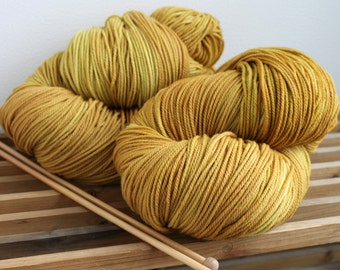 100% Wool - Targhee Worsted - Sweater Yarn - 610 Yards - Honey Wheat