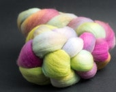 x198,Targhee Top Wool, Hand Dyed Roving, Petals, spinning, felting, fiber, 95g