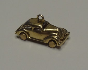 14k Yellow Gold Antique Car Charm
