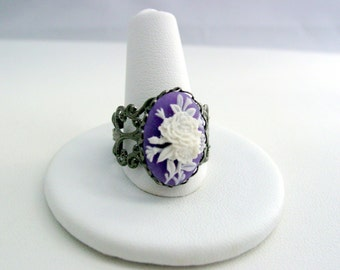 Gothic Punk Lolita Cameo Gunmetal Floral Filigree Ring with Lavender Flower