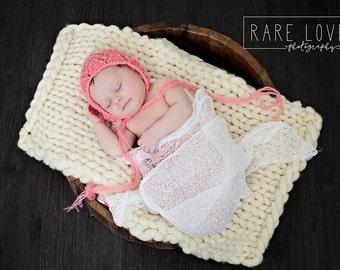 Wool Knit Blanket, Bump Blanket, Basket Stuffer, Newborn photo prop, Photography Prop, Roving Blanket, Chunky Knit Blanket