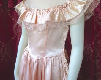 Vintage 1950s Pink Prom Dress Satin & Lace Ruffles Gown Full Skirt Princess Costume 36 Bust