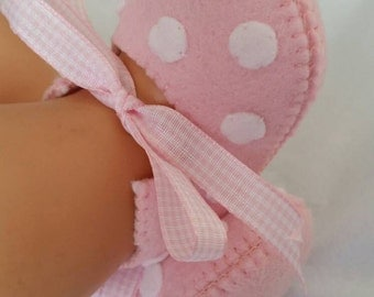 Pink with white spots woolfelt baby shoes