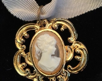 ON SALE Vintage Victorian Revival Cameo Pendant Necklace
