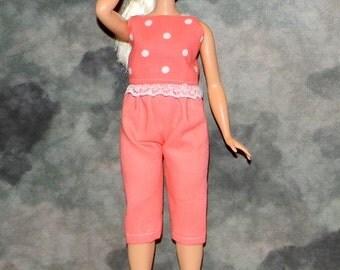 CB1-02) the NEW Curvy Barbie doll clothes, 1 capri pants and crop top
