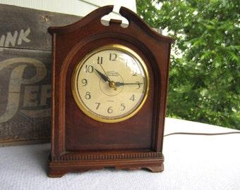 Vintage Ingraham Strike Clock Wood Shelf Mantel Electric Clock with Chime