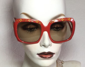 Clearance RED Frame Painted Brow SUNGLASSES / Solar France Haute Couture // Vintage