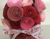 Rolled paper flower Valentine's Day bouquet