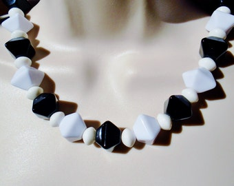 Vintage Lucite Black An White Choker Necklace Pyramid Square Beads Mod Geometric Abstract Art Deco Modern Retro Rare Estate Statement