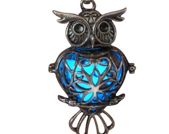 yOUR unIQue silver oWL Blue glow in the dark necklace