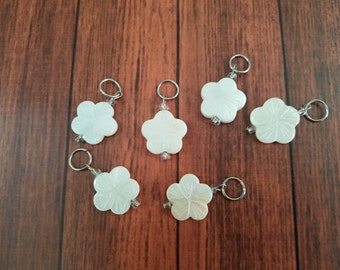 Knitting stitch markers, stitch markers, knitting charms, knitting stitch charms, Flat Cream Flowers Stitch Markers