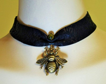 Black real leather chocker | necklace collar | Goth Necklace | Wicca | Medieval | Edwardian | Victorian | Steampunk | Honey Bee necklace