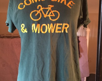 Destroyed vintage como bike and mower t shirt