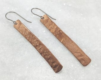 Hammered Copper Bar Earrings | E11624