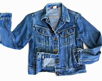 80s Vintage Womens LEE Denim Jacket / Tiny Shrunken Fit Jean Jacket / Cropped Distressed Denim Jacket / Womens Vintage Denim Jacket Small